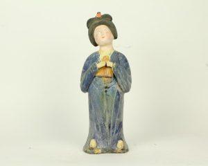 1. Tang-lady-van-aardewerk-blauw