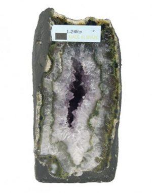 Unieke-Amethist-geode_-Deze-geode-is-1_24-kg