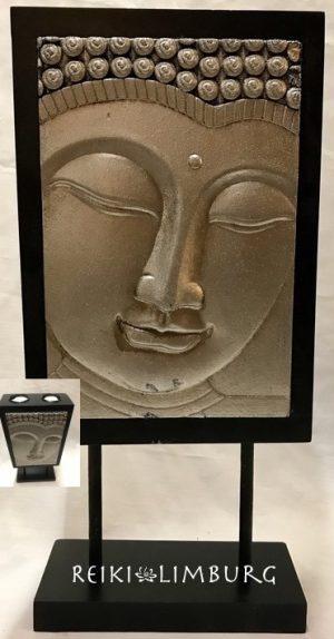 Boeddha wand met waxine
