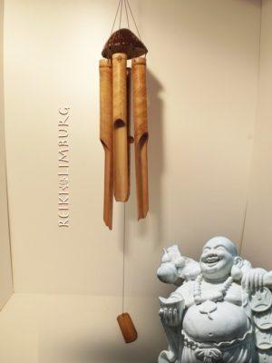 Gong halve cocosnoot met 6 bamboe pijpen. Lengte 50 cm...