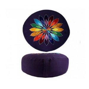 1. Meditatiekussen met geborduurd symbool colour flower