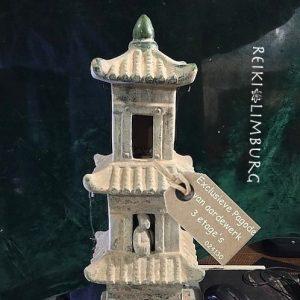 Pagode-van-aardewerk-3-etages. blz