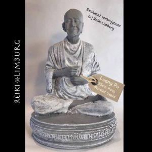 Monnik Luang Pu grijs en wit 35cm