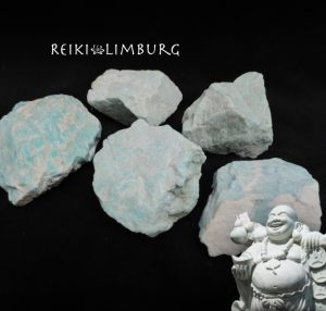 Amazoniet ruwe steen kleur blauw