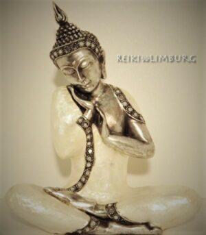 Thaise Boeddha 31 cm. Parelmoer